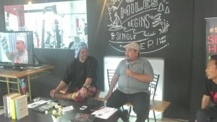 Bang Komar Budayawan Bekasi & Wijaya Kusuma Blogger Senior
